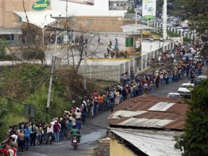 Food line outside a supermarket in Venezuela, 2014. Long live the socialist revolution!