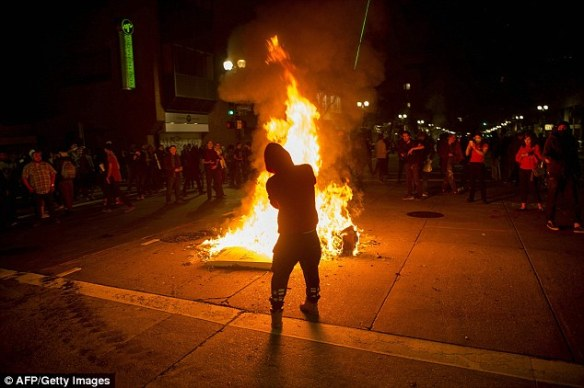 oakland-anti-trump-protest-lighter-fluid